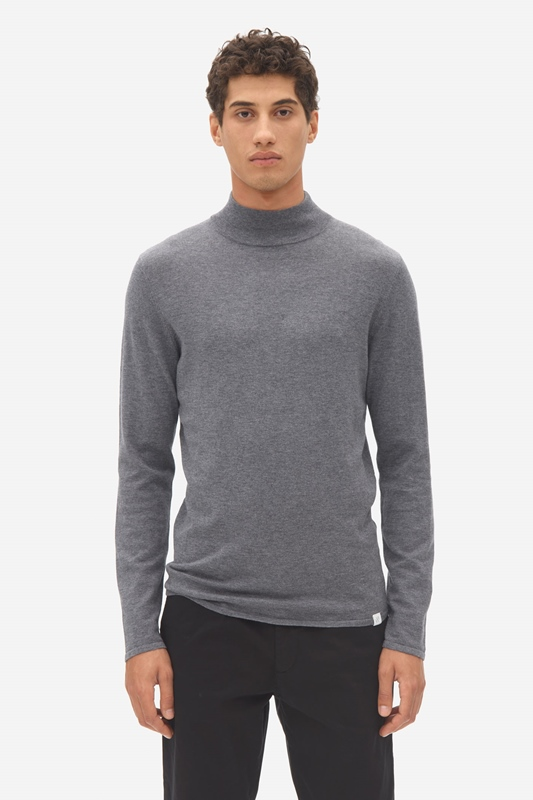 Pullover turtle neck
